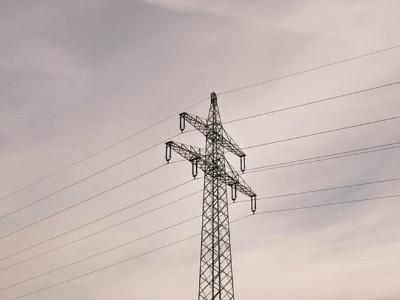 高压电缆为什么接地作用
