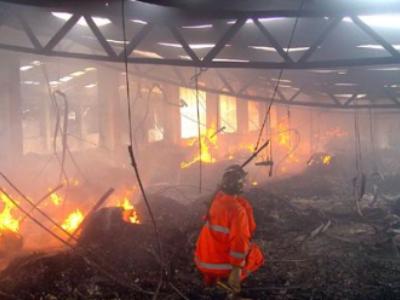电线电缆遇明火燃烧